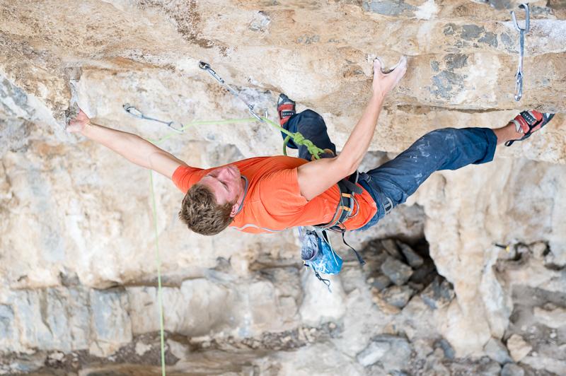 Simon Montmory in Glaros 8a+/b Picture: Dominik Hartman