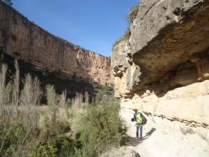 Marche d'apporche dans le canyon de Turia