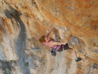 Stage escalade-yoga Kalymnos Yoga climbing camp Kalymnos with Simon Montmory and Béa Pelissier